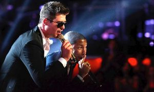 Robin-Thicke-Pharrell-Williams-and-TI-Perform-Blurred-Lines-on-NBC-The-Voice-