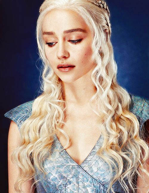 4fb8f6f5c29f5598b87556ae731cb089--girl-crushes-mother-of-dragons